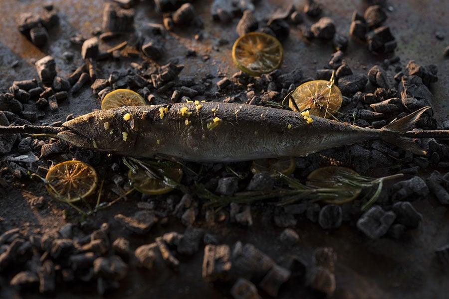 Barbecue Makreel met Mediterrane kruiden en citroen van Walter Smoked!