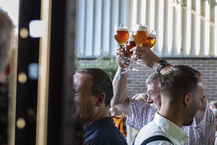Walter Smoked: de eerste biertjes tijdens een walking dinner in Aalten