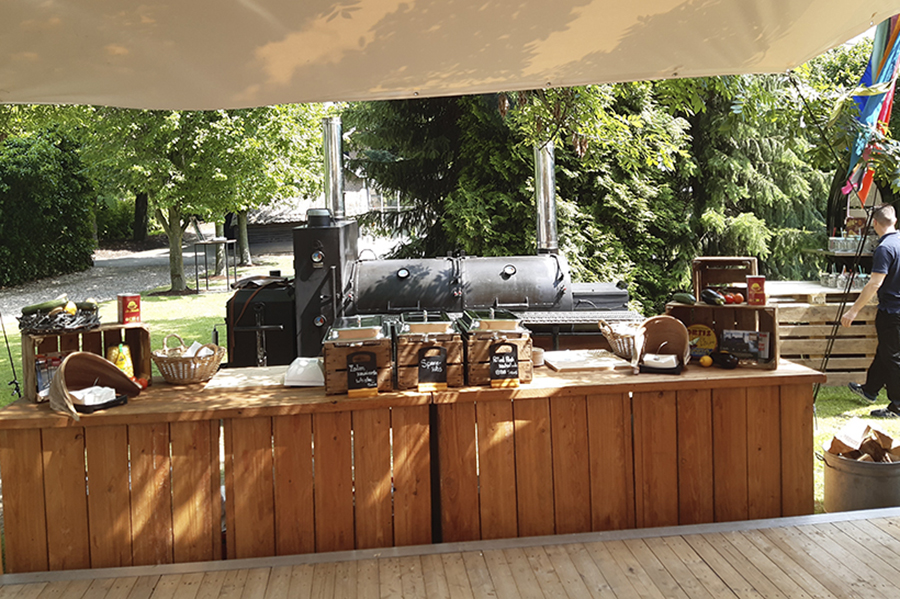 Walter smoked barbecue catering met de BBQ smoker